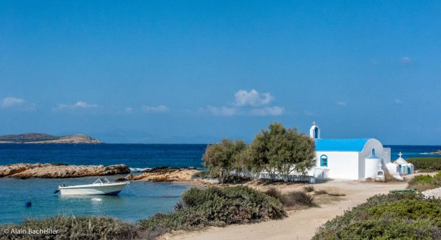 Antiparos - Greek island full of hidden treasures