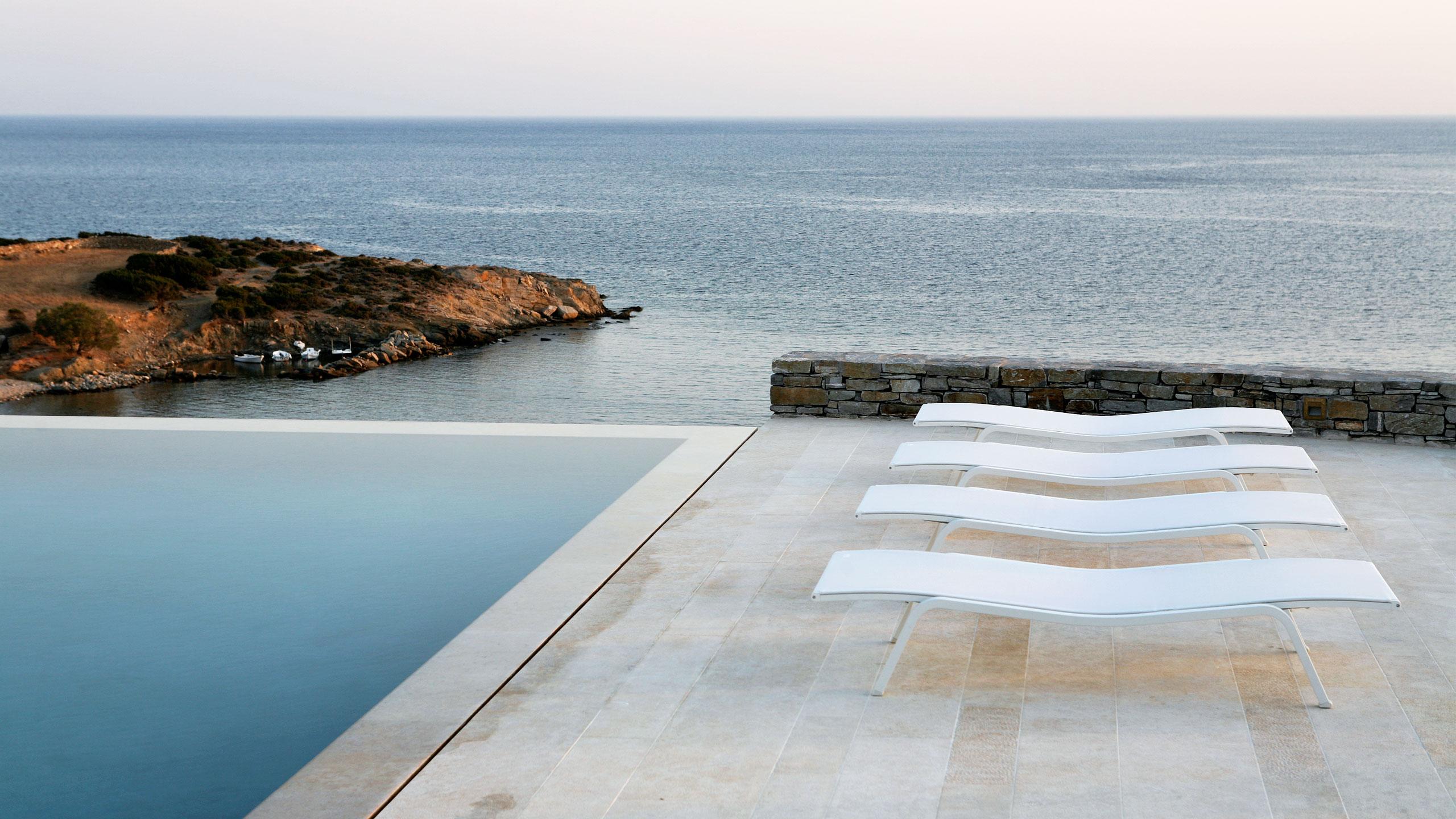 Three Best Waterfront Villas in Paros
